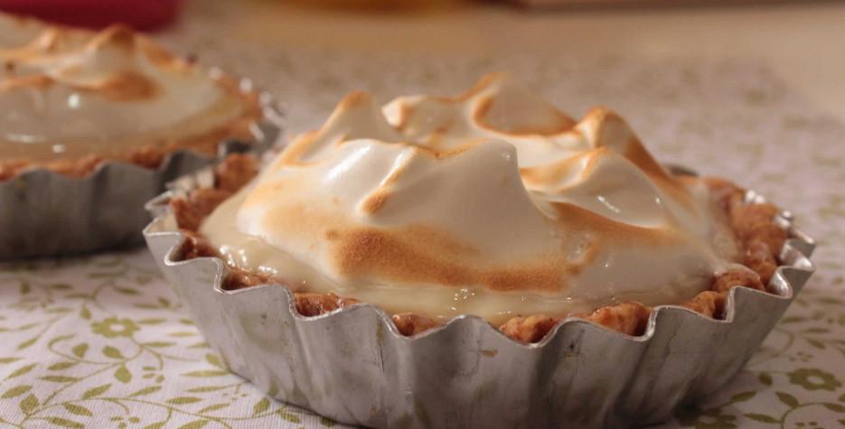 National Lemon Meringue Pie Day in USA in 2021